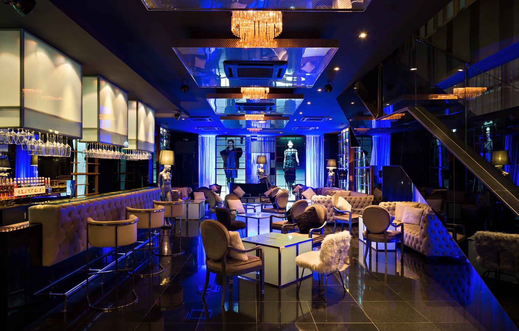 Catwalk caf at vie hotel studiogronda for Ideal hotel design 75014